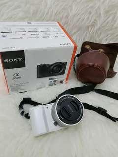SONY A5000 LIKE NEW