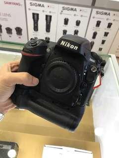 Nikon D800 Body + MB-D12 *SC 40k *