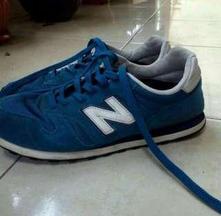 Sepatu nb 373