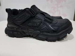 Sepatu skechers kids Black