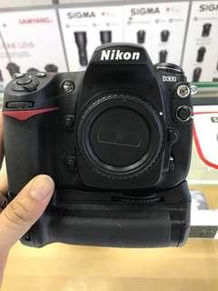 Nikon D300 Body + Grip SC:20k