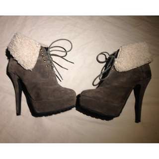 Authentic TONY BIANCO Suede High Heels | Woollen Cuff | Size 5
