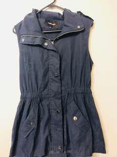 Trench vest