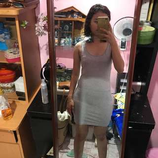F21 SEXY KNEE LENGHT FITTED DRESS