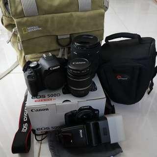 Kamera Canon EOS 500D + perlengkapan lainnya