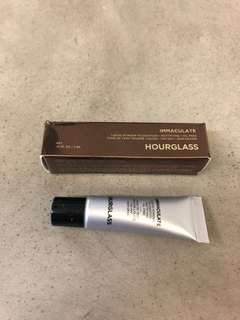 🚚 Hourglass Immaculate Foundation