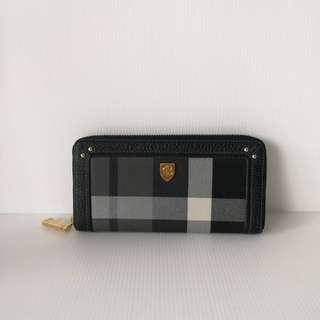 Authentic Blue Label Zippy Wallet