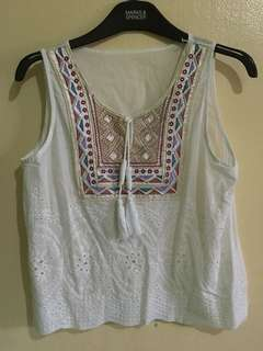 Sleeveless summee top