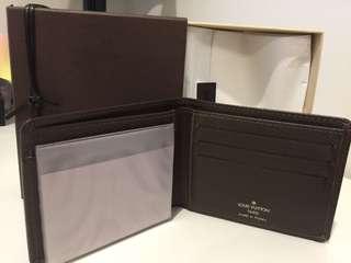 Bi-fold LV wallet