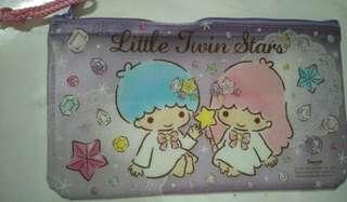 Dompet serbaguna little twin star