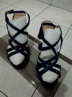 sepatu sandal charles n keith
