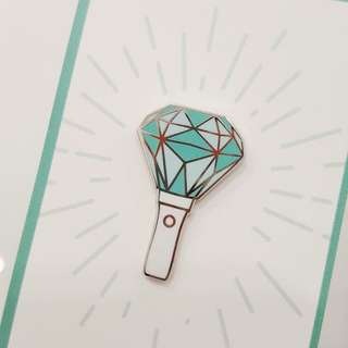 [LOOKING FOR] SHINee Lighstick Badge