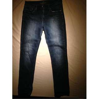 "LEVI'S Demi Curve Classic Slim Leg Jeans ~ Size 30   Inseam: 31.5"""