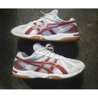 ASICS Badminton/Volleyball Shoes For Men- Size US 8 (Cebu City)