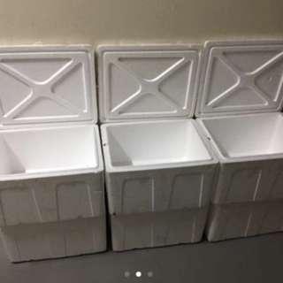 $3 each 2nd hand Styrofoam Box 49x39x30cm  Meet at Tampines blk 851