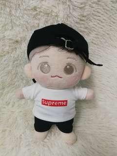 20cm doll tshirt (supreme)