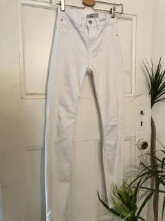 🌿 New look High waisted White jeans sz 6 🍁