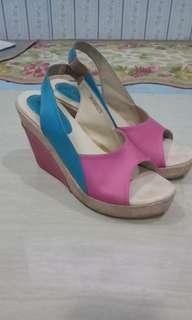 sepatu wedges garucci pink