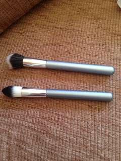 Stipling/contour brush duo