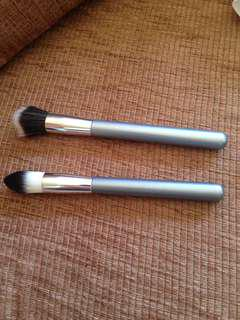Stipling/contour brush duo