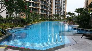 One Bedroom Unit At The Glades, Mins to Tanah Merah MRT