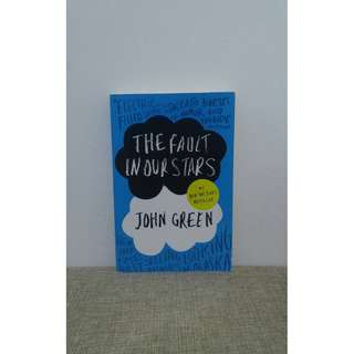 The Fault in Our Stars by John Green in English