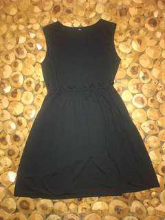 Uniqlo casual black short dress