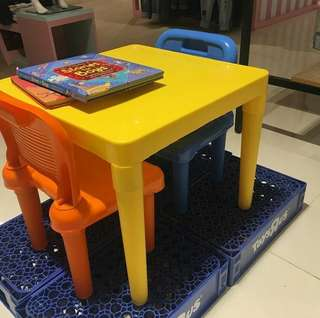 Kiddie table and chair set