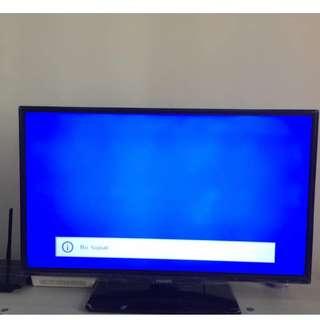 "PHILIPS LED TV 32"" INCH"