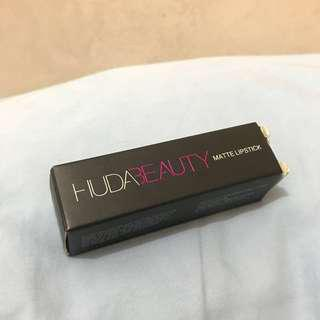 Huda Beauty Matte Lipstick in True Brown K (SG Authentic)