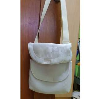 Authentic EDC by Esprit Body Bag white