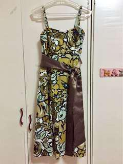 Floral dress (military green)