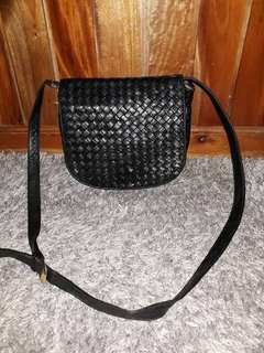 Authentic preloved BOTTEGA VENETA sling bag