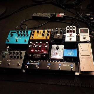 Wts Pedals and Vox AV 15 amp