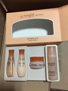 Etude Moistfull Collagen SkinCare Set
