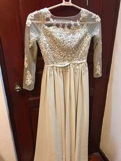 Dinner Dress Sequinned Light Grey Long dinner dress (Rent for 2 days)
