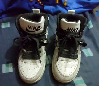 REPRICED!! NIKE Rubber shoes from 200 to 180 only
