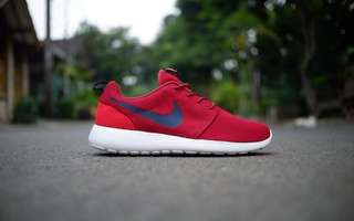 CS - nike roshe one