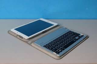 Acer Iconia Tab 8 W with Keyboard
