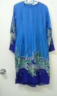 Batik kurung moden