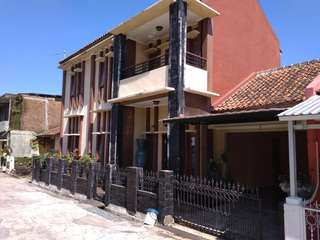 Rumah nyaman, air bersih, recommend bgt, alamatnya di perumahan bumi karya indah blok B no 76 kojengkang, licin, cimalaka, sumedang