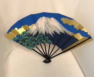 Fan from Kyoto japan featuring mt Fuji on one side and flower on the other side.  Come in gift box.  #japan #souvenir #gift #present