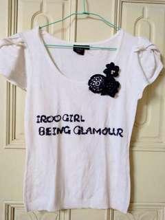 🚚 百貨專櫃品牌iroo 休閒甜美舒適白色花朵抓皺短袖針織衫上衣T恤