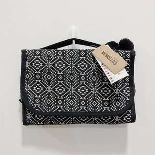 Cotton On Worldwide Beauty Case Toiletry Bag