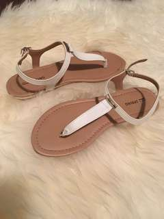 Brand new never worn sandals size 7-7.5