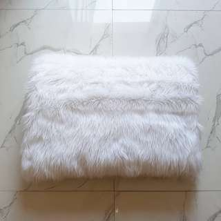 White slate fur