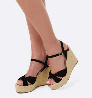 Forever new black wedges size 39