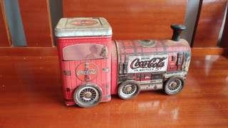 可口可樂 Coca Cola - 可動鐵皮車, 有儲物位。 超過十年。