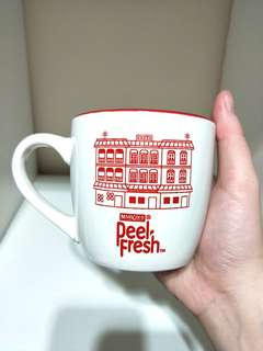 ♥BRAND NEW♥ RETRO VINTAGE STYLE KOPI COFFEE CUP BY MARIGOLD PEEL FRESH WITH BEAUTIFUL PRINTED SINGAPORE HERITAGE RED RIM ON TIP OF CUP!! MAKES IT SO UNIQUE!! GREAT AS GIFT OR FOR URSELF!! SUITABLE FOR HOT/COLD DRINK COFFEE/JUICES!! ONLY 1! HURRY!! GRAB IT