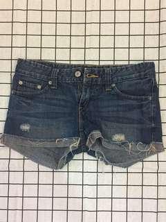 🚚 Levi's 女性牛仔短褲